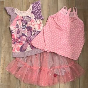 Girls Naartjie bundle! 2 shirts and 1 skirt sz 5/6